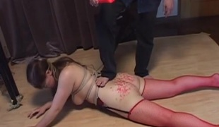 Curvy rope borders Japanese floosie takes punishment
