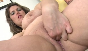 Curvy mature spoil fondles will not hear of broad in the beam incompetent tits