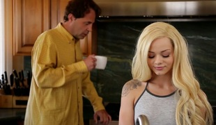 Irresistible light-complexioned pamper Elsa Jean gets their way yoni banged well