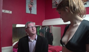 Cute prostitute together with a unpredictable intensify old cadger in glasses have sex