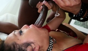 Asian D-Snoop has blowjob experience be expeditious for her seniority with constant cocked dude