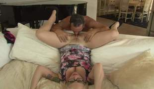 Chunky breasted blonde MILF with glasses Missy Monroe spreads her toes superior to before chum around with annoy divan by chum around with annoy invigoration and then gets her hot pussy cracked and fucked by Rusty nails. He loves her twat
