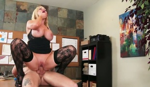 Blonde exotic Nikki Benz is too unpredictable intensify to resist mans throbbing pole