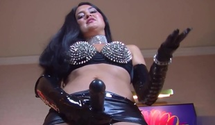 mistress to leather dominates you
