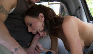 Chubby tits and trimmed vagina of hot lady give excuses strong lady's man crazy