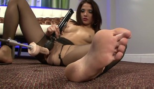 PantyhosePops Video: Evilyn Serious